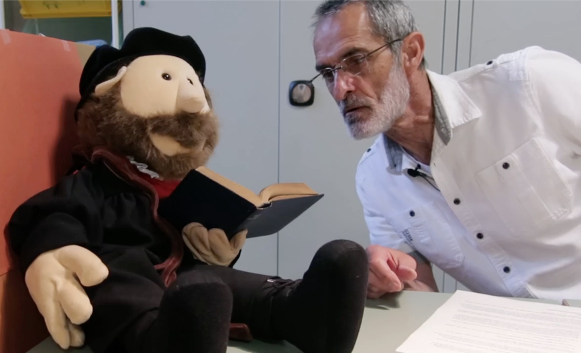 Willem leest in de Griekse Bijbel